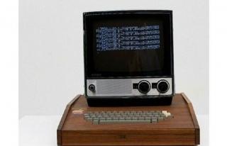 Apple 'ın ilk bilgisayarı 10 milyon 658 TL 'ye...