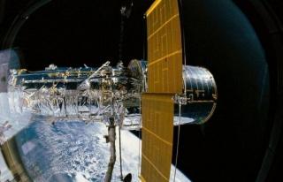 Arıza yaşayan uzay teleskobu Hubble, onarım girişimlerine...