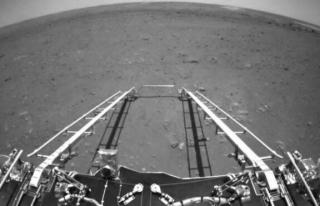 Çin, Mars keşif aracının çektiği ilk fotoğrafları...