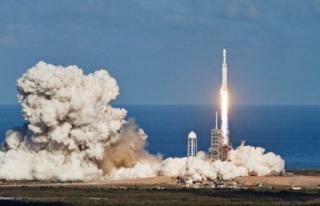 Elon Musk 'ın uzaydaki uydu sayısı 950 oldu