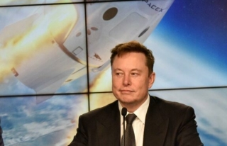 Elon Musk, Jeff Bezos'un Blue Origin'ini sosyal...
