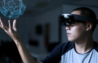 Lise öğrencisi tasarladı, uzaktan eğitim hologram...