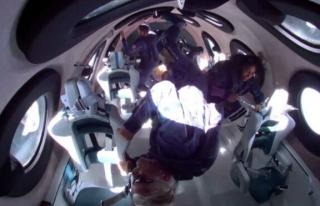 Richard Branson uzaya giden ilk milyarder oldu