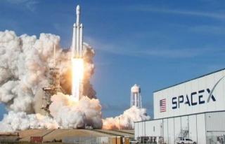 SpaceX 'ten ilk 'sivil ' uzay görevi için...