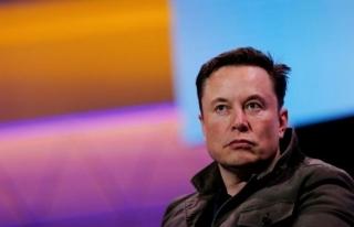 Sürücüsüz Tesla aracında kaza… İki kişi hayatını...