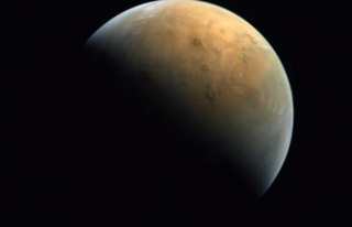 'Umut ', çektiği ilk Mars fotoğrafını Dünya...