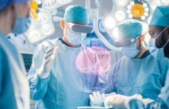 Yeni bir beyin implantı ile düşünceler metne dönüşüyor